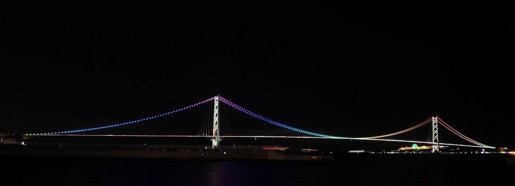 大蔵海岸から見る明石海峡大橋ライトアップ
